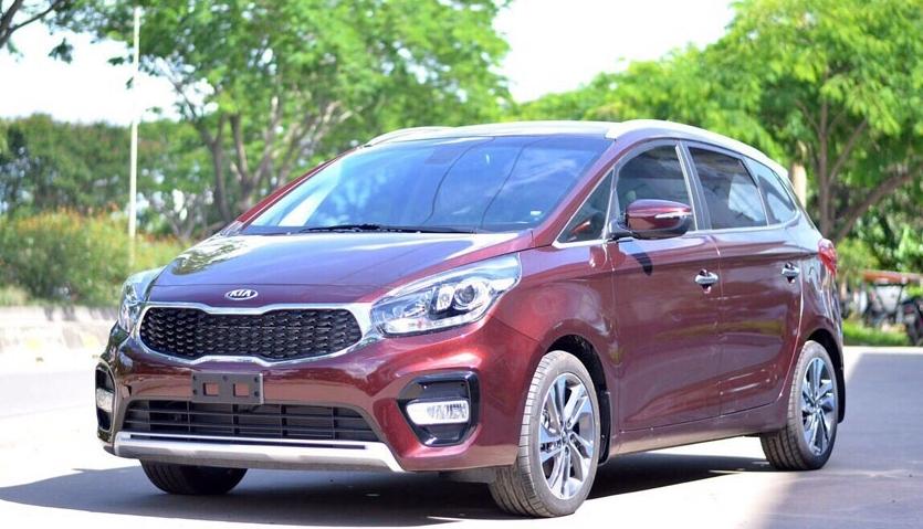 Bảng giá xe Kia Rondo ngày 16/9/2020: Tặng quà phụ kiện chính hãng và 1 năm bảo hiểm vật chất